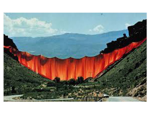 Christo'Valley Curtain